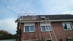 Premium installatie zonnepanelen_complete valbeveiliging met ladderlift